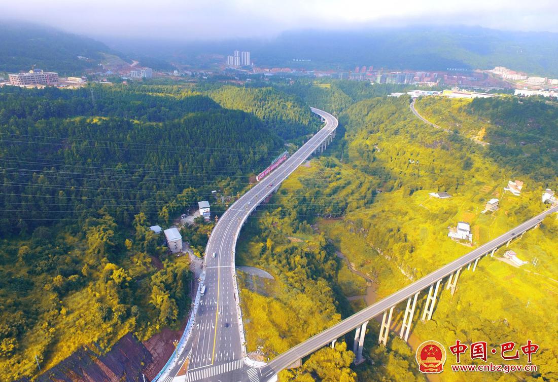 空中看家园丨通江县璧州大道