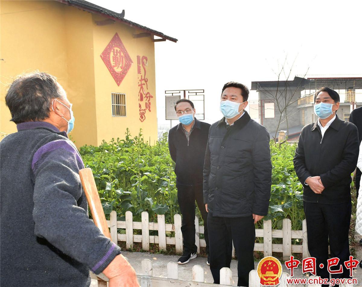 罗增斌到通江县调研督导农村疫情防控、重点项目复工、脱贫攻坚和春耕生产工作