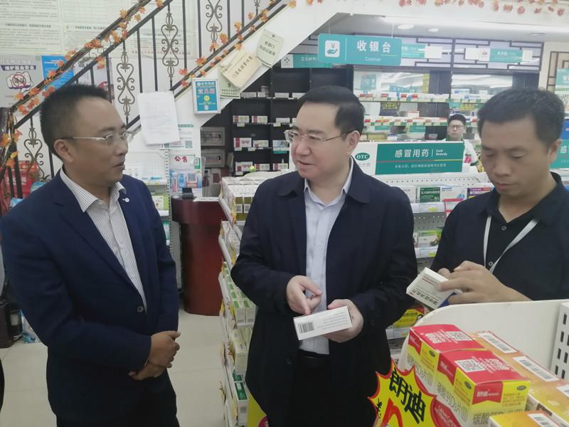 赵建仁带队检查市场安全及疫情防控工作