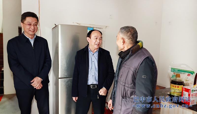 王清平到恩阳区下八庙镇普济宫村走访慰问贫困户